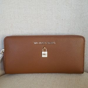 NWT Michael Kors LG Adele continental Wallet brown